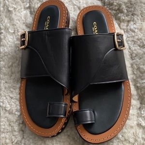 Toe ring Sandals. Rarely worn.